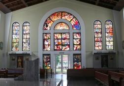 ステンドグラス(左側)