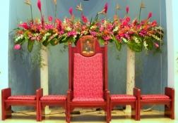 花で飾られた大聖堂